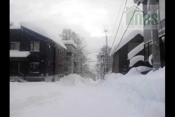 Niseko Hirafu Corner Block